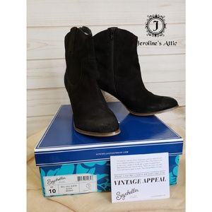 Seychelles Will Call Suede Black Ankle Boot